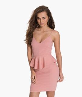 Платье на ремешке
